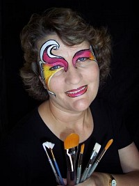 Kristy Elliott - Happy Heart Face Painting